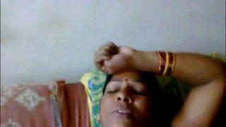 विलेज की इंडियन चाची की चुदाई