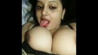 Hot Bhabhi ka Bade Boobs ka Hindi XXX