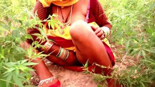 देहाती भाभी ने खेत मे चुदाई का वीडियो