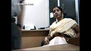 शर्मा जी और उनकी ऑफीस की रखेल की चुदाई