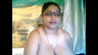 बिग बूब्स इंडियन आंटी का हॉट सेक्स चॅट
