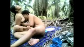 बिग बूब्स वाली गर्ल की जंगल मे चुदाई