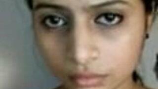 बाय्फ्रेंड ने बिग बूब्स पाकिस्तानी गर्ल का न्यूड वीडियो