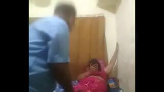 सुमित के मम्मी पापा के चोदने की वीडियो
